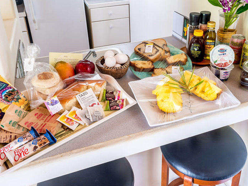 Breakfast & Snack amenities at Kauai Banyan Inn